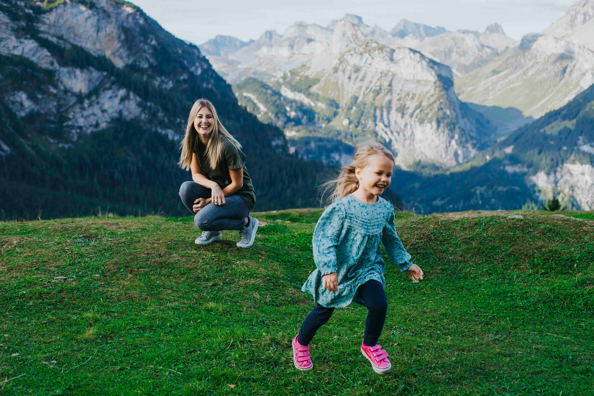 Kandersteg family photo session-5.jpg