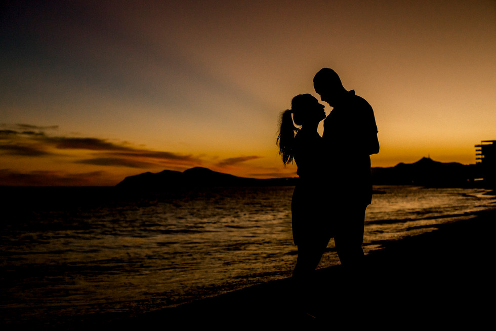 Engagement photo session at Cabo San Luc