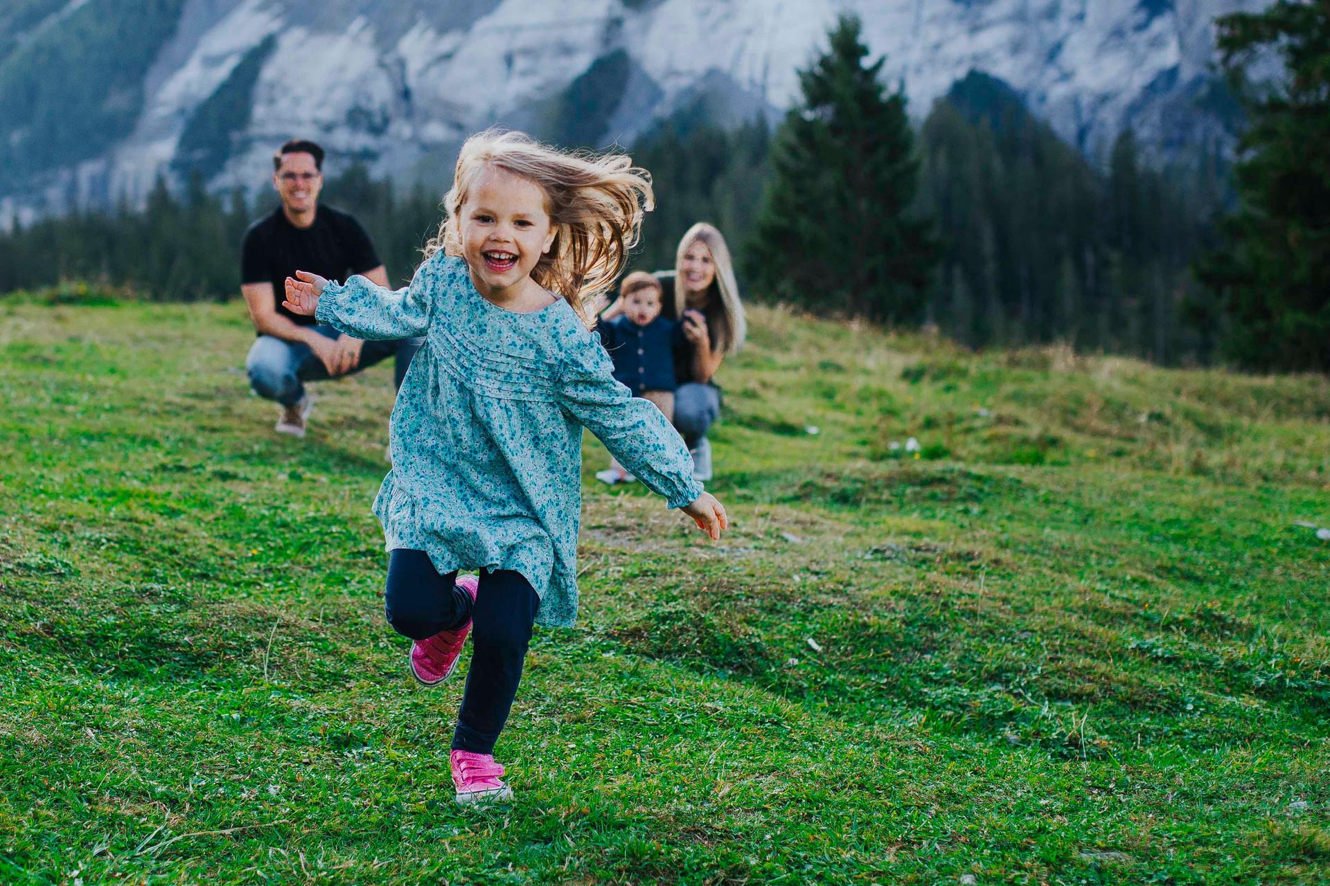 Kandersteg family photo session-8.jpg