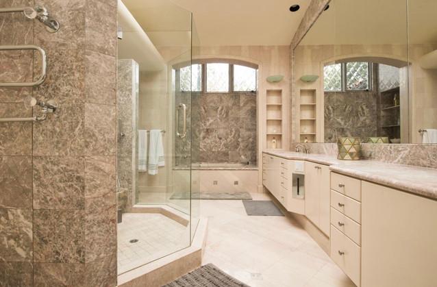 San Diego Private Bath