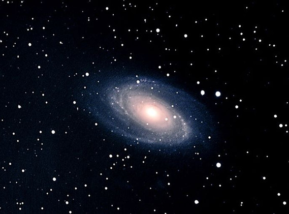 Messier 81 (NGC 3031) Type SA Galaxy.jpg