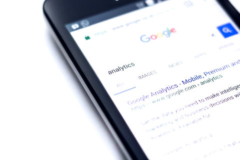 Google%20analytics%20phone_edited.jpg