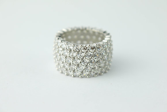 CLUSTER PAVE RING