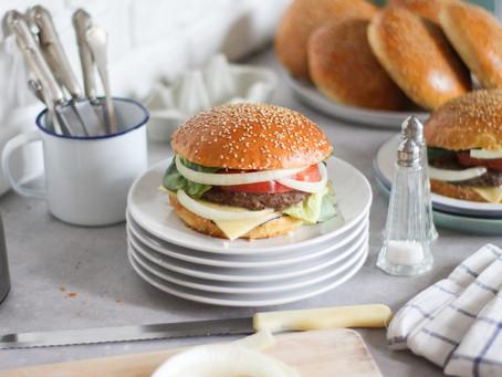Pane per hamburger fatto in casa: la ricetta facile
