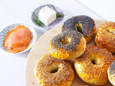 Come fare i bagel al salmone: la ricetta base