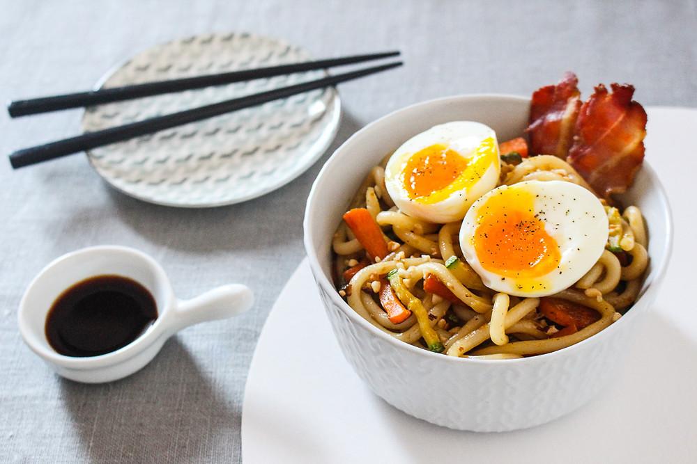 udon verdure uovo bacon