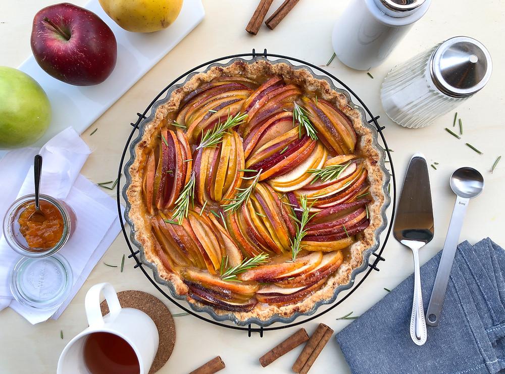 tarte torta di mele invernale rosmarino cannella brunch ricetta