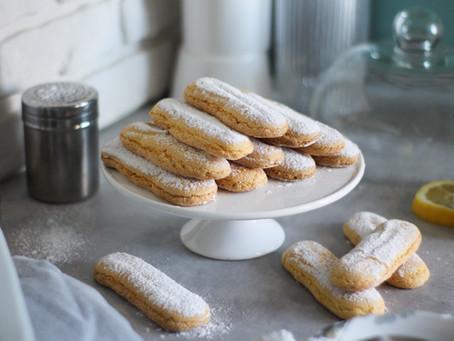 Savoiardi fatti in casa: la ricetta per un biscotto da Re