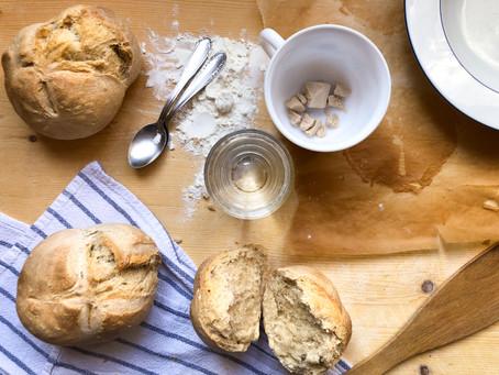 Come fare il pane in casa: la ricetta facile e veloce