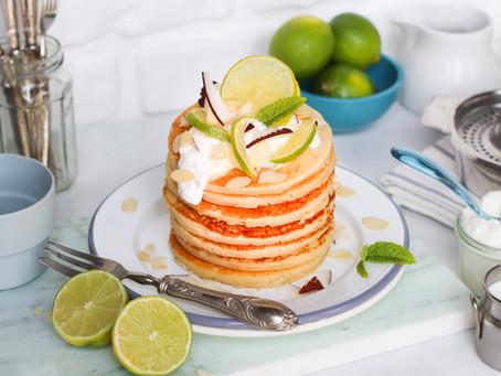 Summer pancake al lime e latte di cocco: la ricetta facile per un brunch estivo