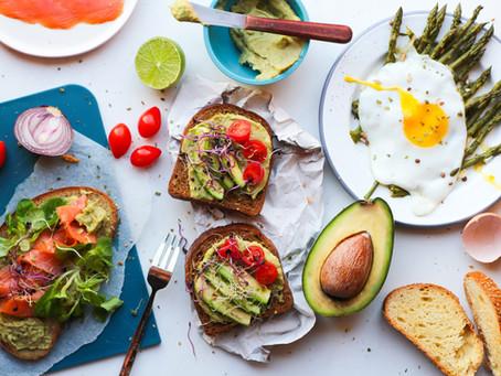 Avocado toast: la ricetta da brunch (facile e veloce)