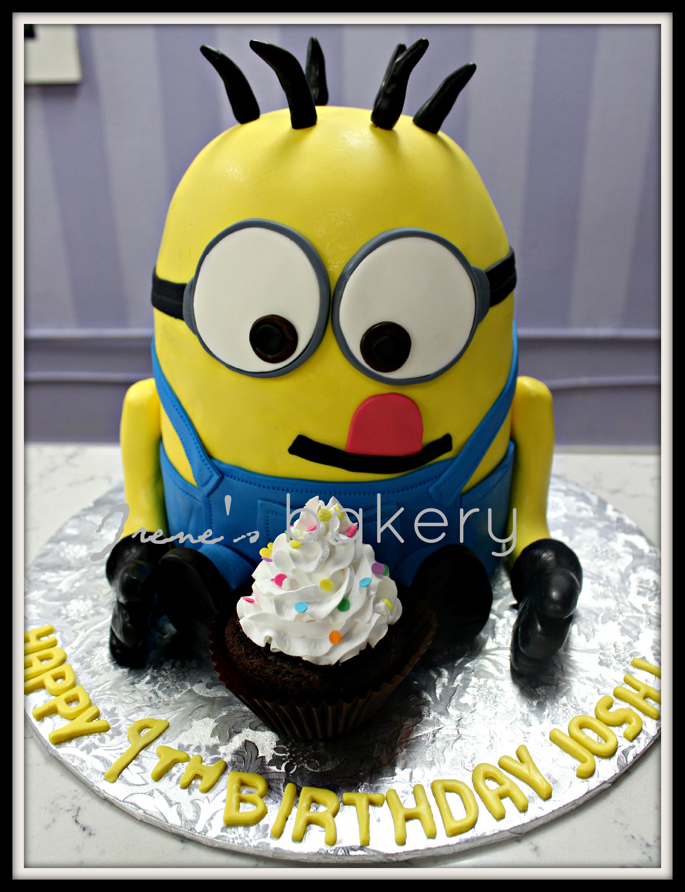 Image Of A Minion Cake