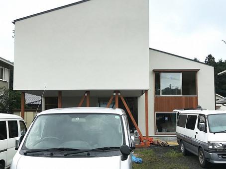 中岡本の家。足場が解体されました。