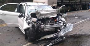Oeste: Mulher morre em colisão frontal na BR 282