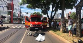 MOTOCICLISTA MORRE APÓS COLIDIR CONTRA ÁRVORE EM CHAPECÓ
