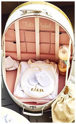 Classique Dorée -Vanity incluant 15 articles bébé (0-6 mois) - Tata Rachel