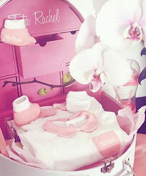 Premium Rose - Vanity incluant 22 articles bébé (0-6 mois) - Tata Rachel
