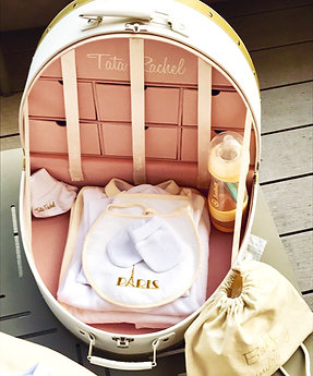 Classic Gold -Vanity including 15 baby products (0-6 months) - Tata Rachel