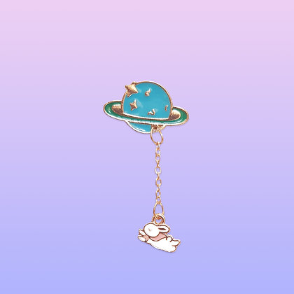 Pin's planète et petit lapin