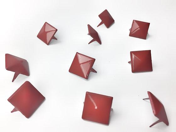 Clous pyramide rouge / lot de 10