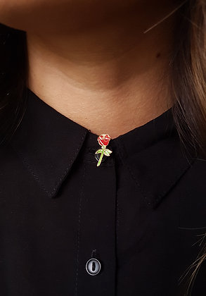 Pin's rose rouge
