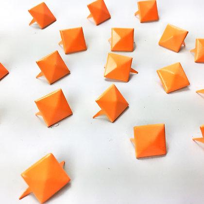 Pyramide orange Taille.L
