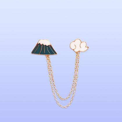 Pin's pour le col montagne et nuage