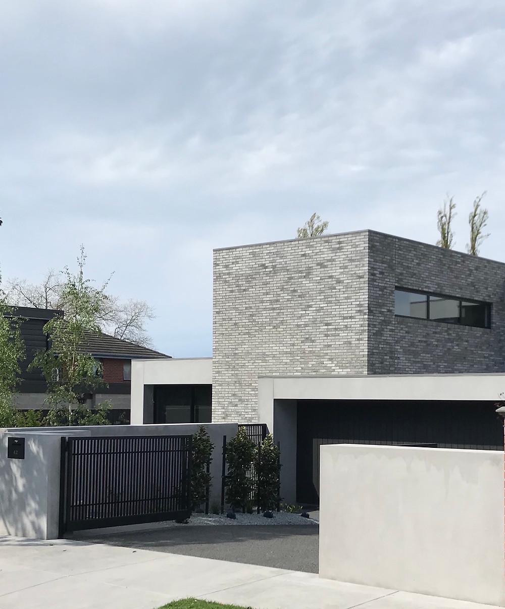 Petersen D91 bricks, Kew East