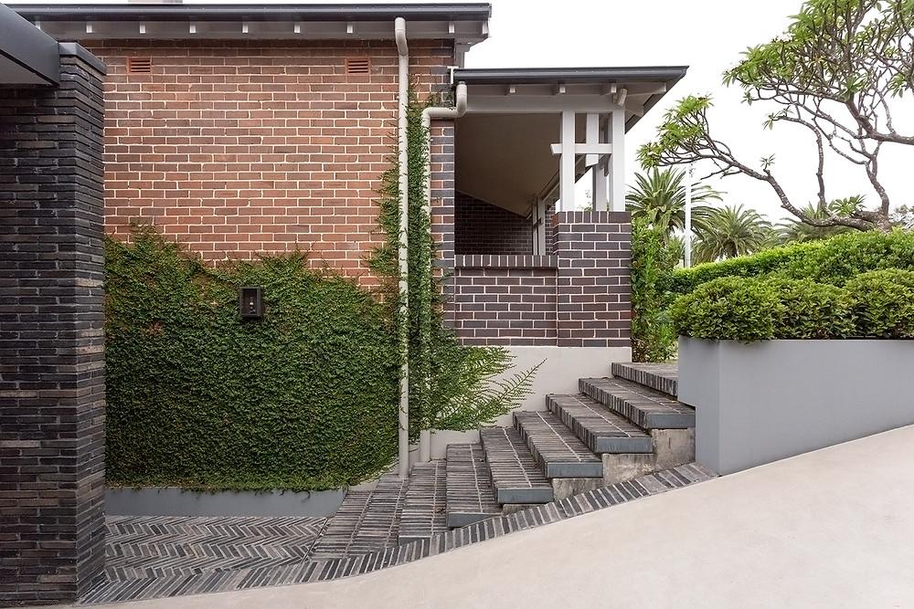 Side entrance, Petersen FF58 bricks, Laycock House