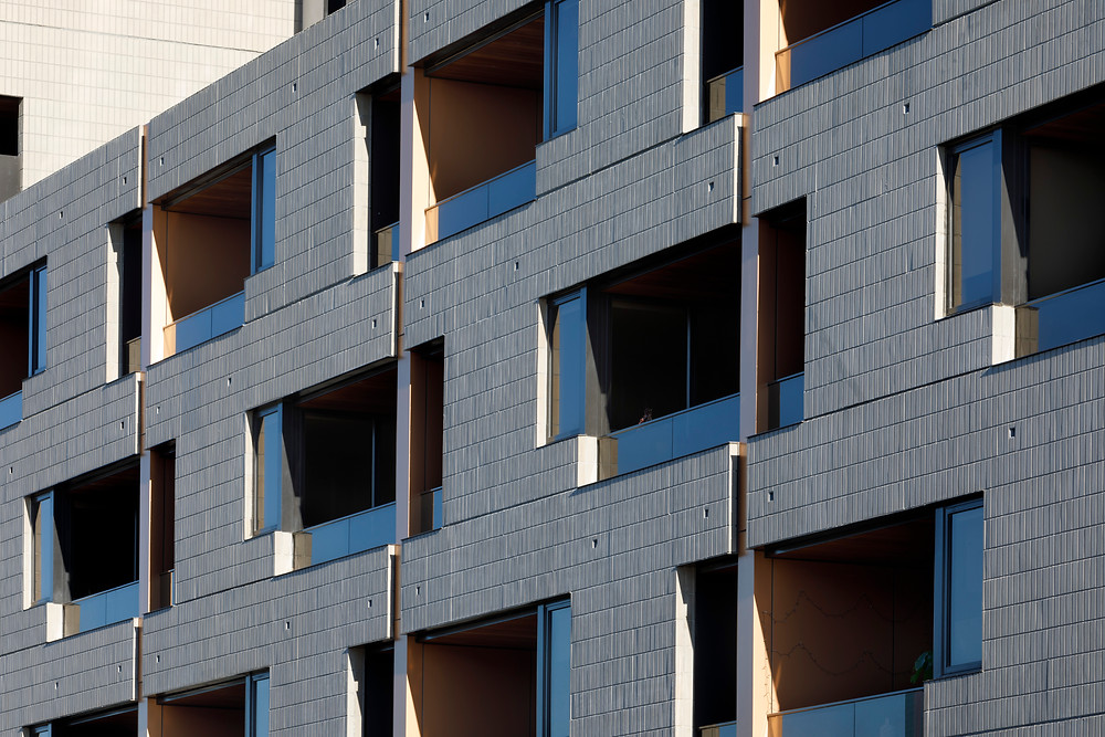 Brick Inlay facade with Ash Grey brick tiles