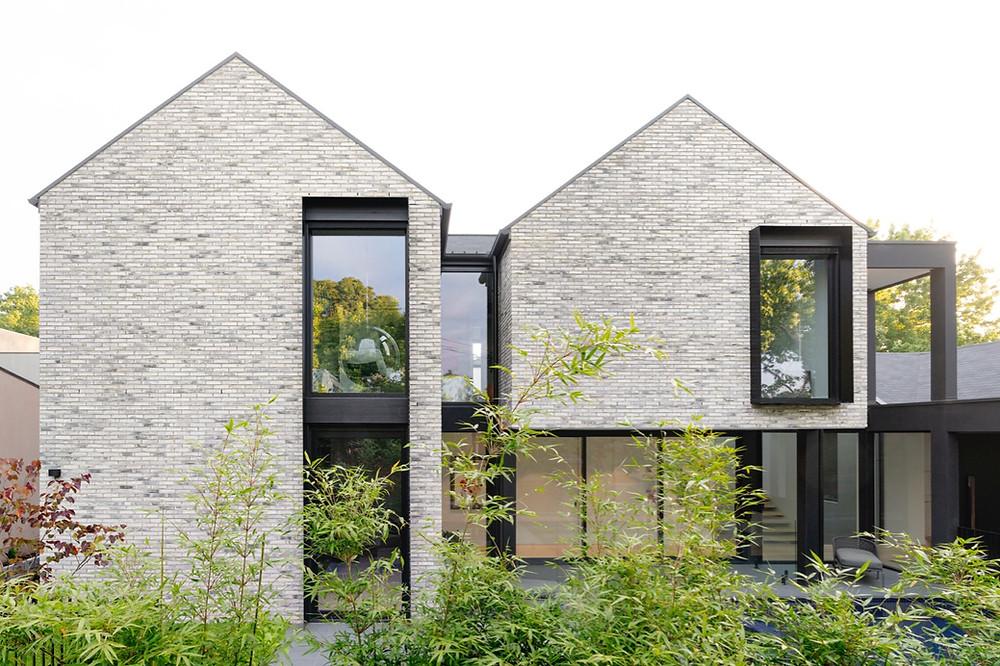 Petersen D91 handcrafted bricks, Sunset House