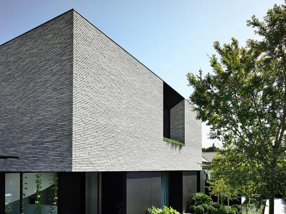 Petersen K91 bricks, strong bold top storey of quality face bricks