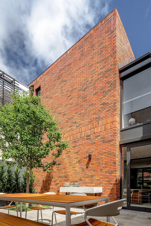 Petersen D34 handmade bricks, supplied by Robertson's