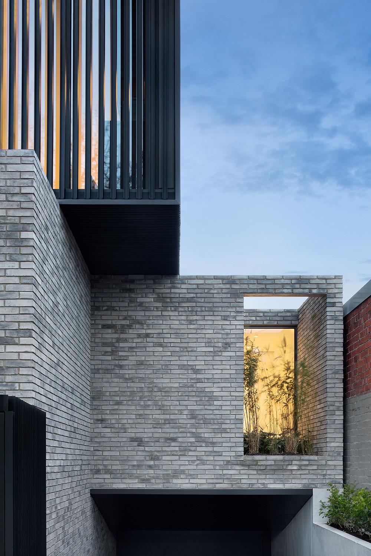 Petersen D91 handcrafted bricks
