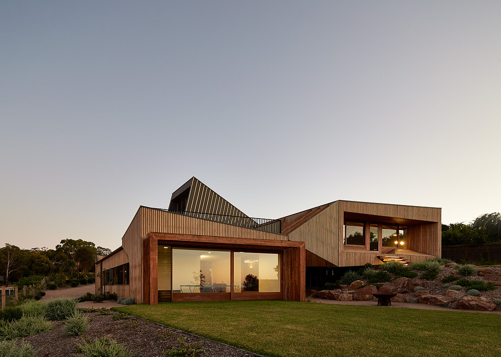 The Split House, Mount Martha, using Petersen bricks