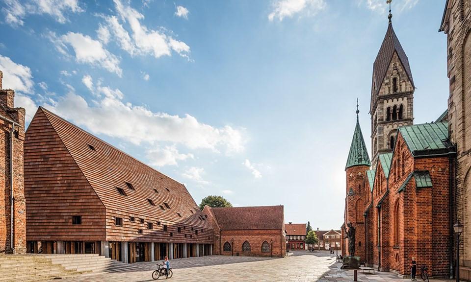 Kannikegården, Church Hall, Ribe, using Petersen C48 bricks