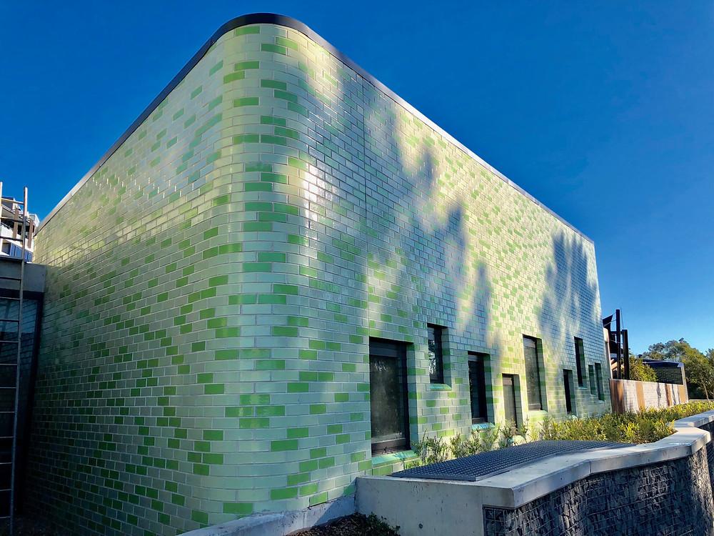 Glazed bricks with custom curves