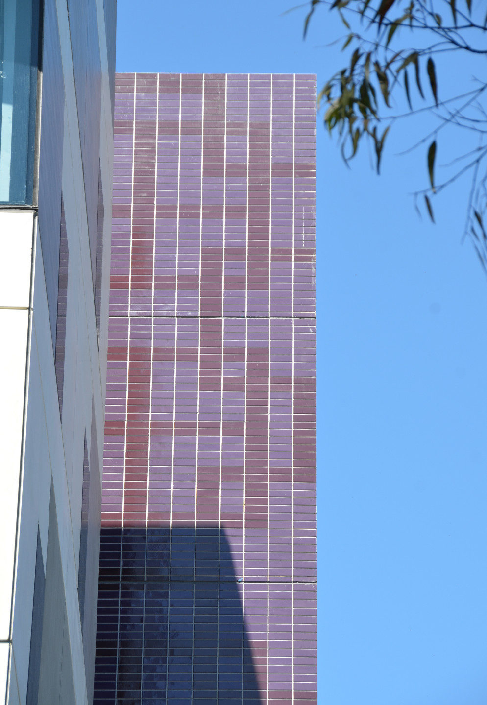 Glazed brick facing tiles