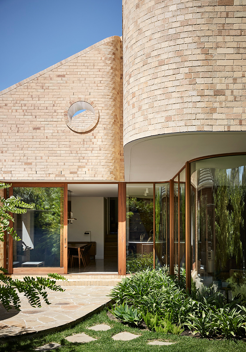 Krause Cream bricks, Waterfall House