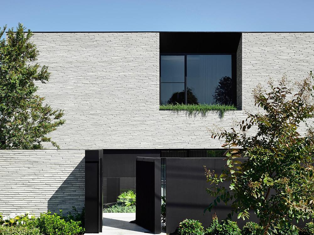 Petersen Kolumba bricks, K91, front facade