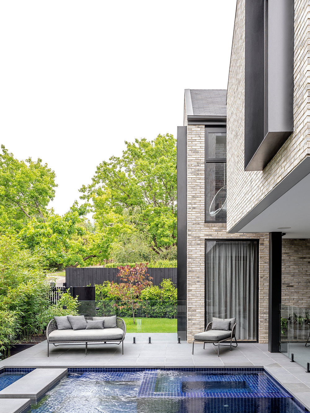 Sunset House showcases the tactile quality of Petersen D91 bricks