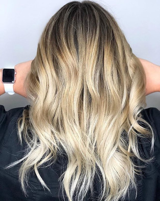 ✨Trends always come and goBalayage is on
