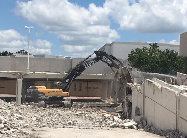 Valley_View_Mall_Demolition_Dallas_TX_11.jpg