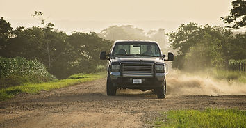 pickup-truck-3566290_1920.jpg