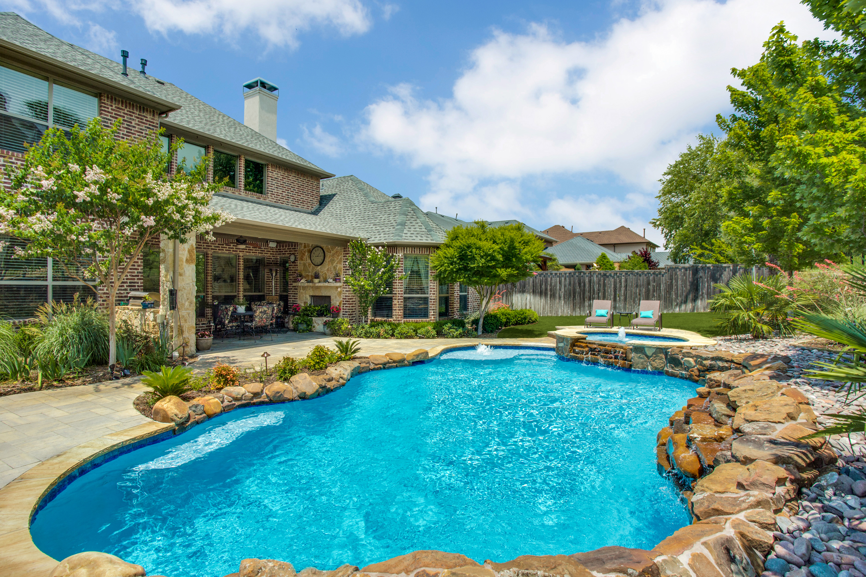 Gold_Medal_Pools-Residential_Pool_Free_Form_Style-Plano-TX-10