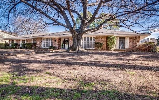 SOLD-1405 Country Club Dr. Arlington, TX 76013