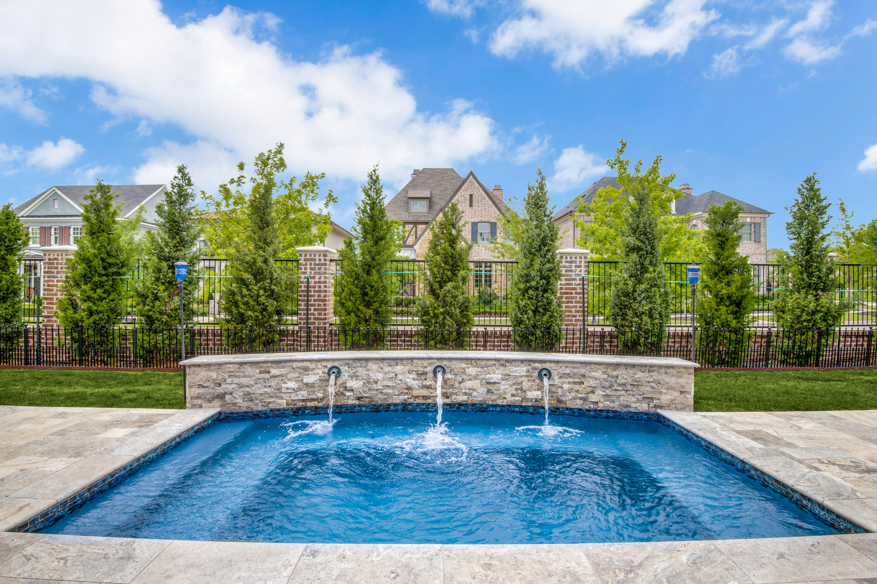 Gold_Medal_Pools-Residential_Pool_Straight_Line_Style-Frisco-TX-4