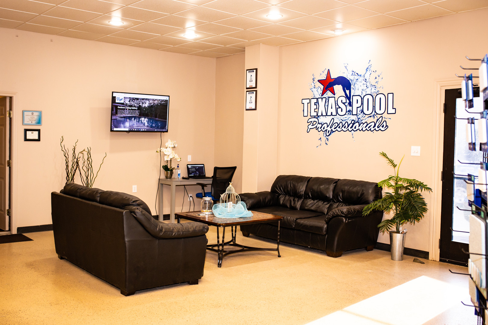Texas Pool Pros-Showroom-2.jpg