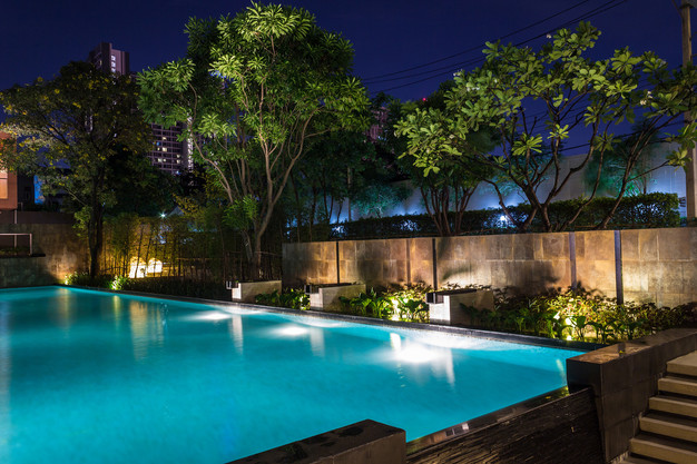 How to Choose the Best Swimming Pool Lights
