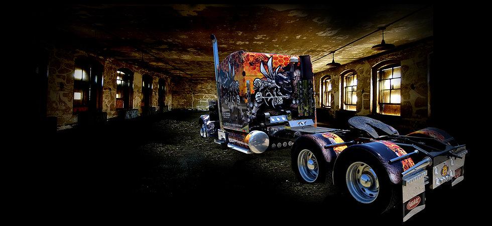 WRAP GARAGE - Semi Truck Wrap